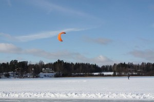 Man Dies in Kite Skiing Accident