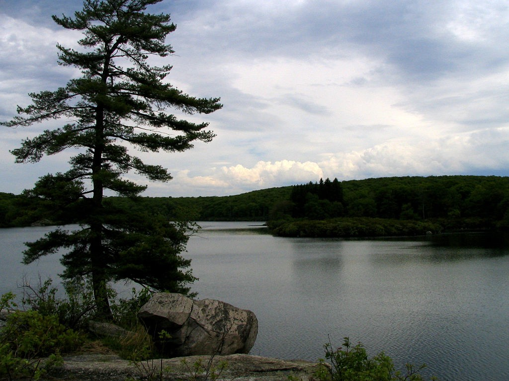 Pine Meadow Lake at Harriman State Park. (Wikimedia Photo)