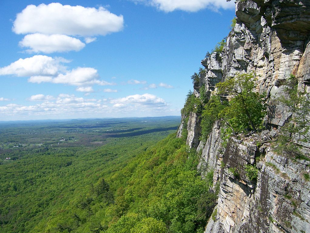 The Trapps Cliff along the Shawangunk Ridge. (Wikimedia Photo)