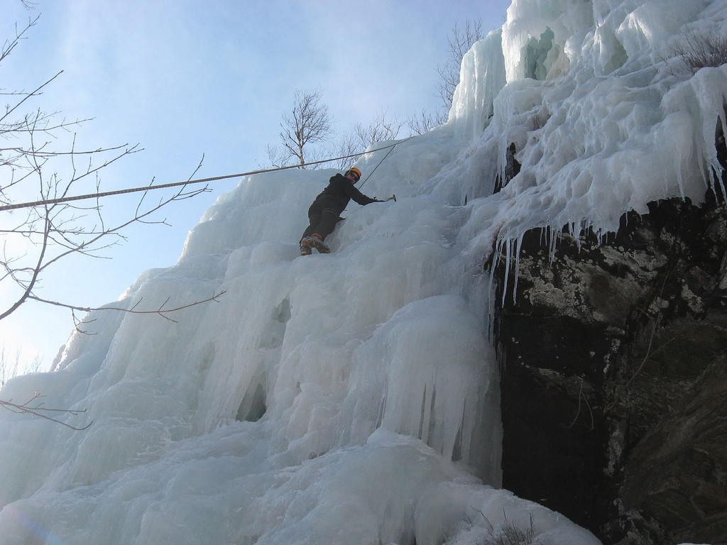 An ice climber on New York's Pitchoff Mountain. (Photo Justin 0 of 0/Flickr)
