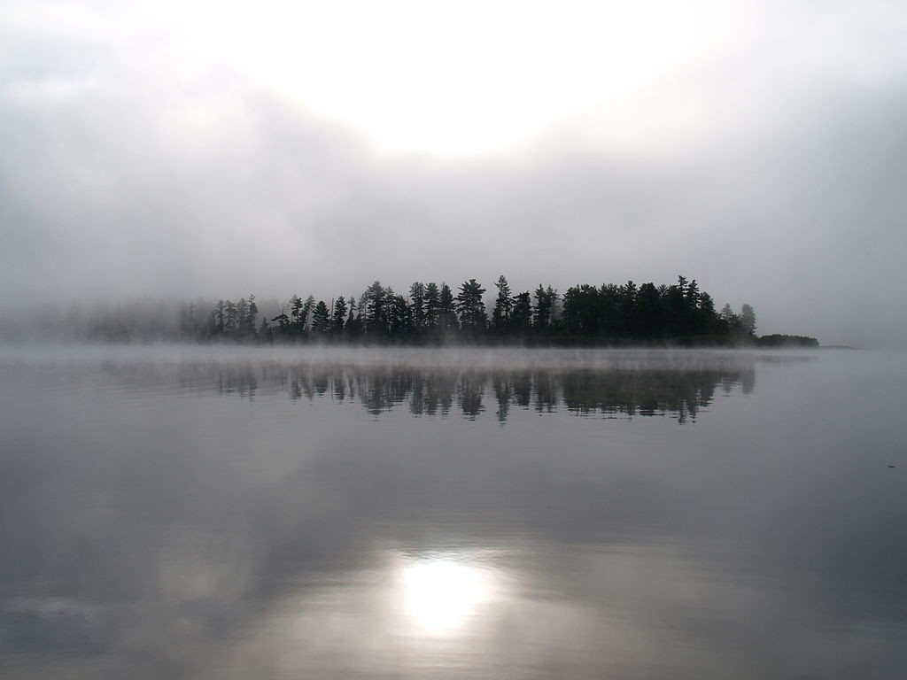 Morning mist on Lake Travers in Algonquin Park. (Wikimedia Photo)