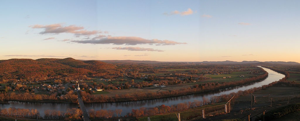 The view from Mount Sugarloaf in Deerfield, Massachusetts. (Wikimedia Photo)