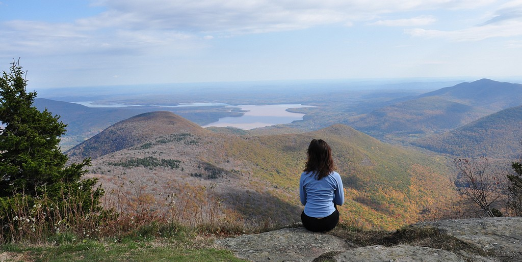 A hiker looks out over the Catskills. (Ben/Flickr Photo)