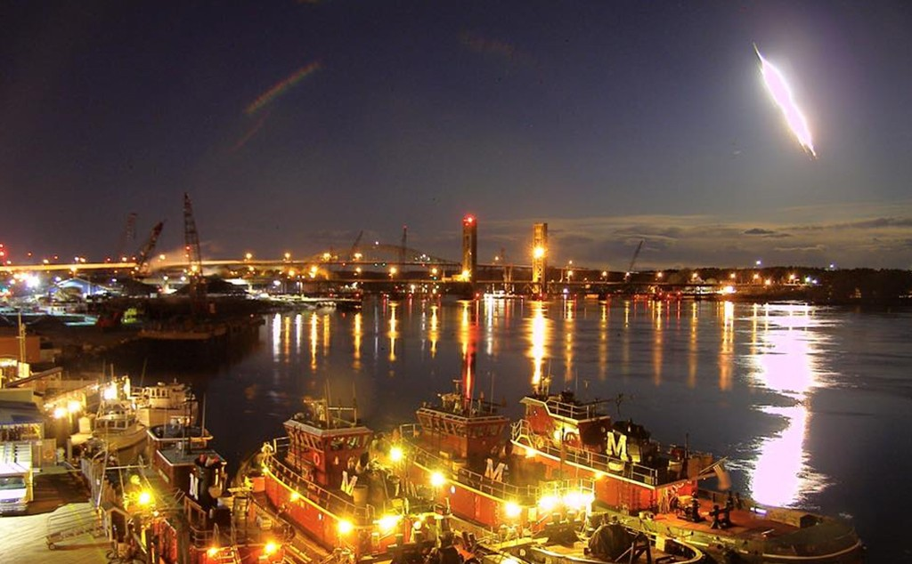 A fireball lights up the night sky above Portsmouth, New Hampshire. (Portsmouthwebcam.com Photo)